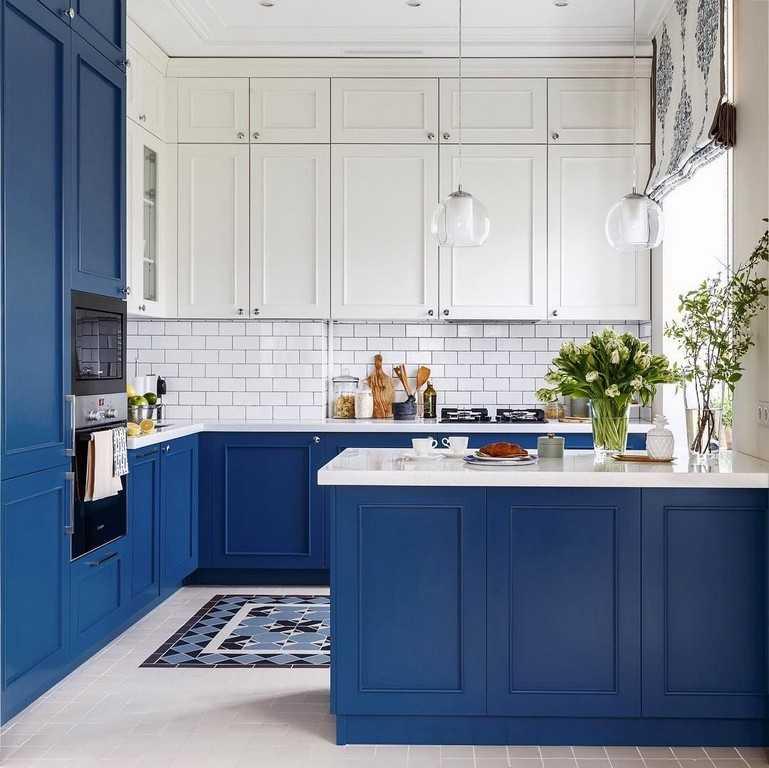 кухня с синими фасадами фото нас сайте есть