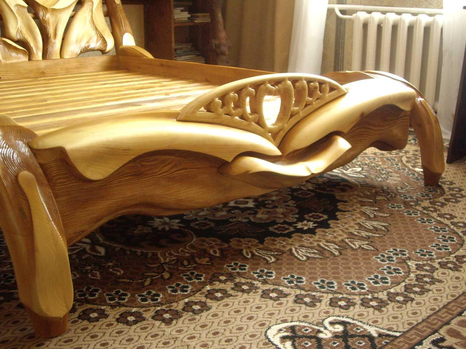 Деревянные кровати резные своими руками фото