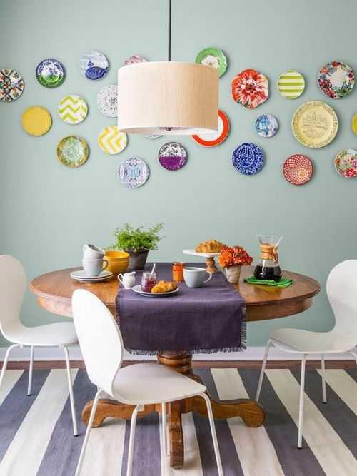 Как украсить стену на кухне (35 фото): чем и как оформить пустое пространство над столом