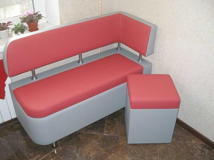 Диван на маленькой кухне: обзор практичных моделей диванов для комфортной кухонной зоны