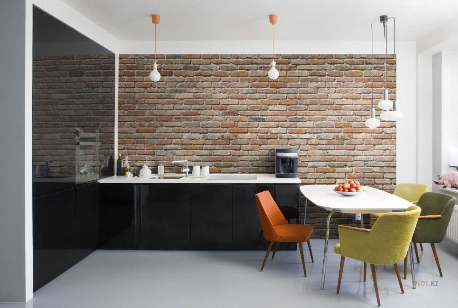 Кирпичная стена на кухне: декоративная белая и красная кладка из кирпича в кухонном интерьере, можно ли использовать обои