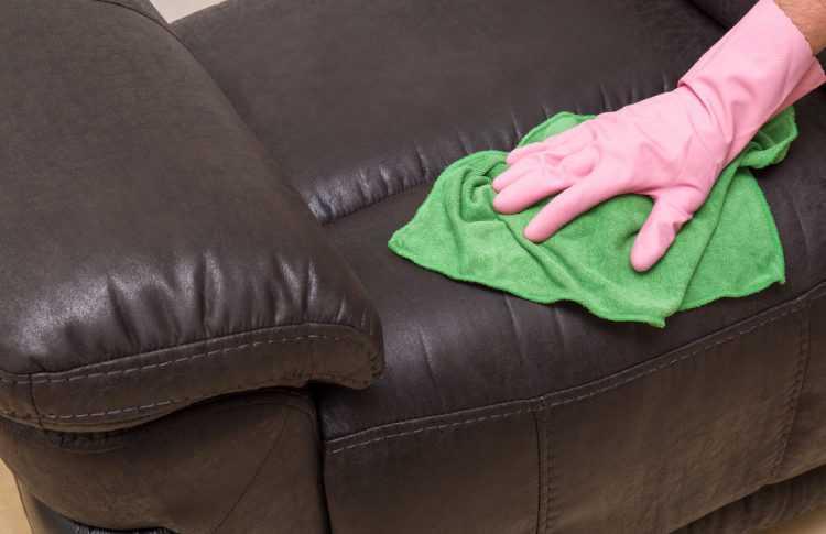 Как почистить кожаный диван в домашних условиях