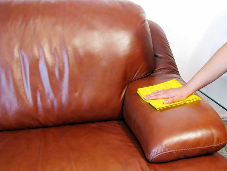 Чем отмыть зеленку с дивана — эффективные способы борьбы с пятнами