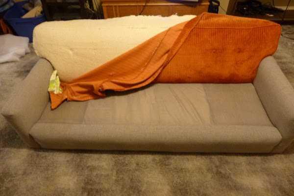 Как перетянуть старый диван своими руками: пошаговый мастер-класс