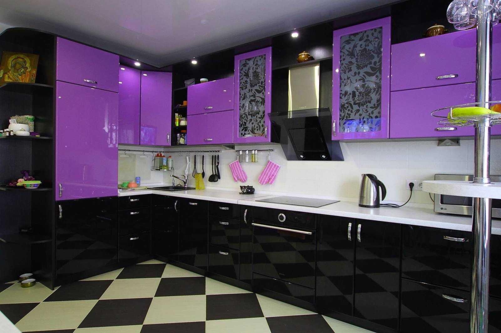Лиловая кухня ─ свежесть в дизайне